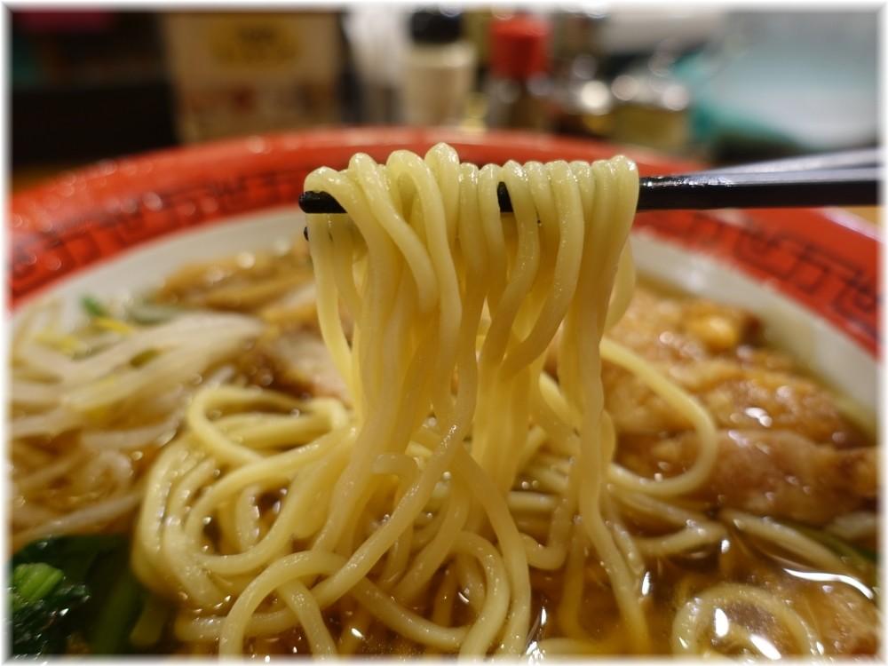 万世橋酒場 ダブル排骨麺の麺
