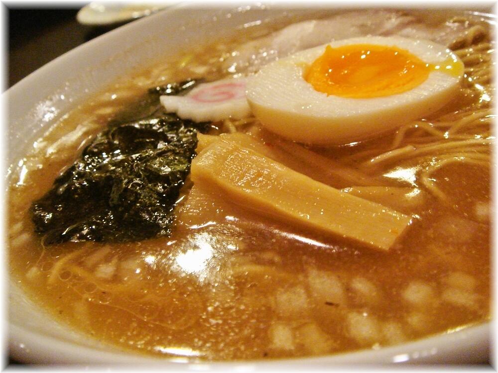 新市街 しょうゆらーめんのスープ