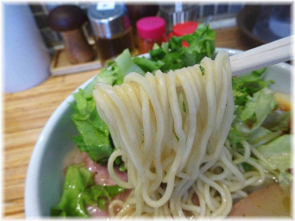 NOODLE STOCK 鶴おか 特製鶏ソバの麺
