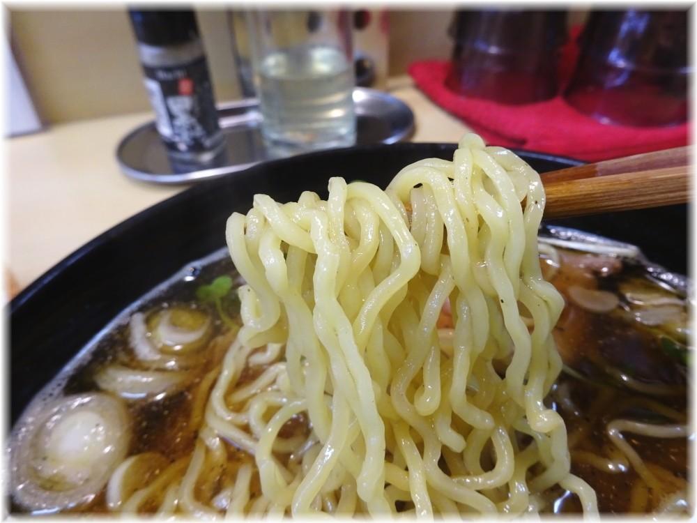 パリ橋 煮干ラーメン(青)の麺