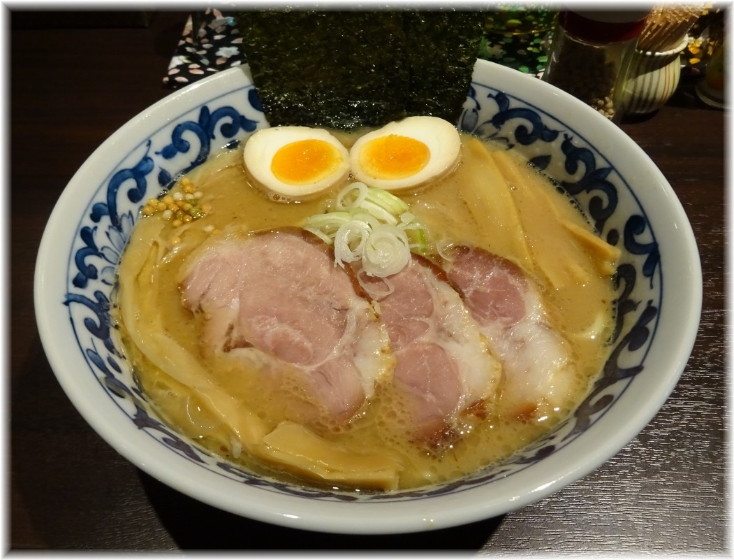 斑鳩市ヶ谷本店 特製濃厚らー麺
