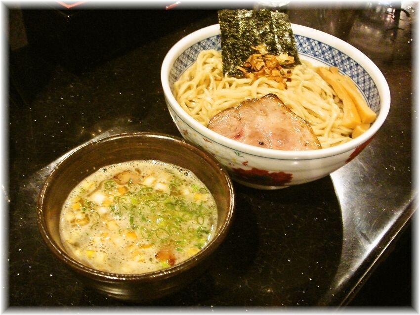 めじろ 煮干汁つけ麺