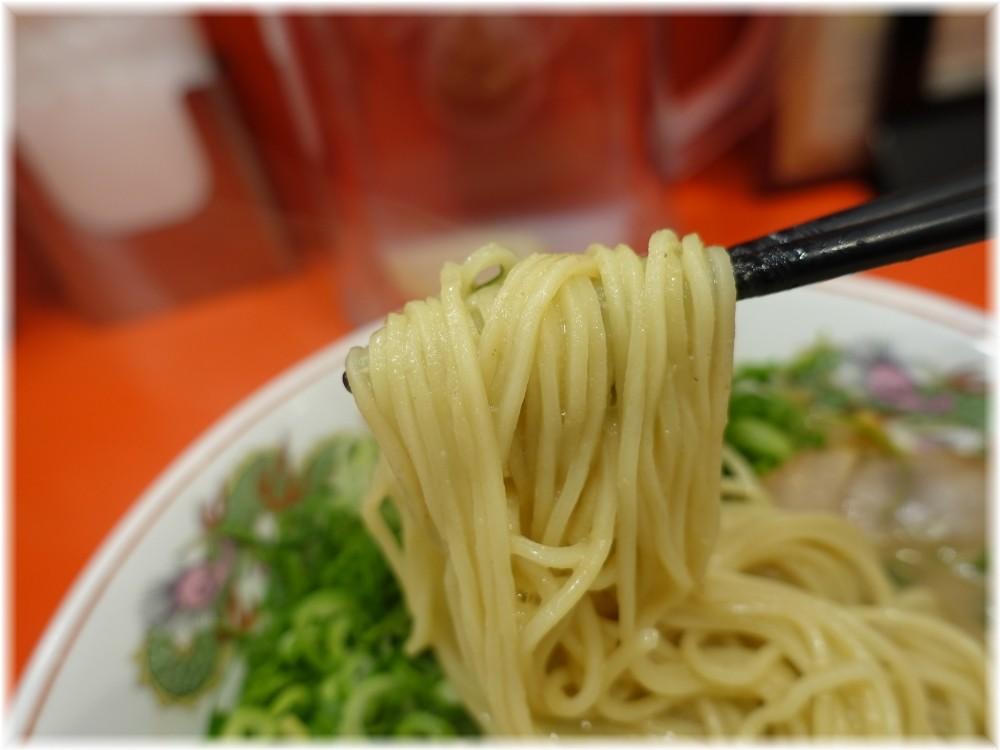 天下一品田町店4 ねぎラーメンの麺