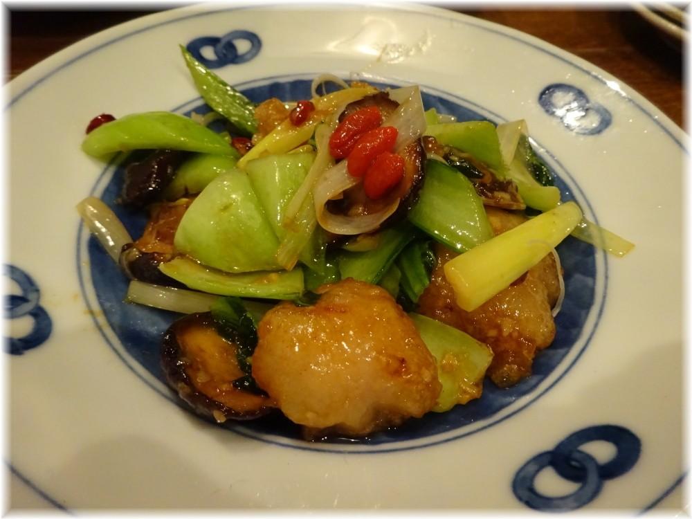 三宝亭 牛ホルモンと青菜の牡蠣ソース炒め