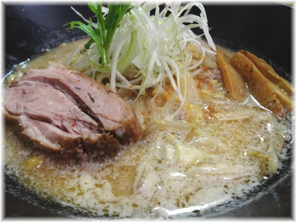 麺屋翔 香彩鶏だし味噌らーめんの具