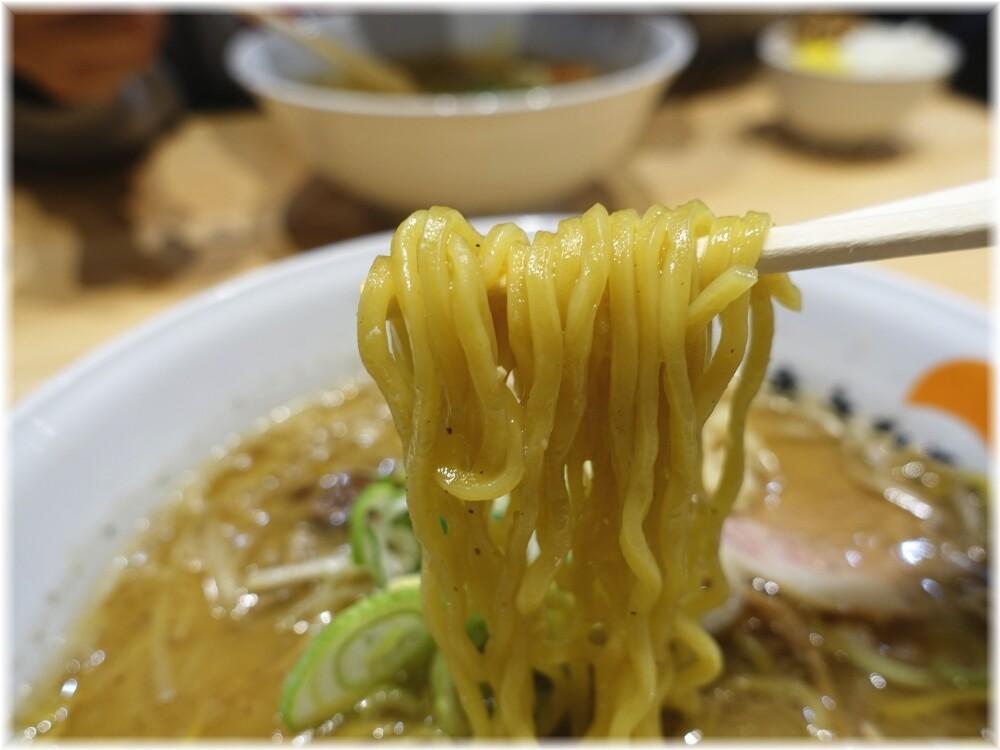 あさひ町内会 味噌ラーメンの麺
