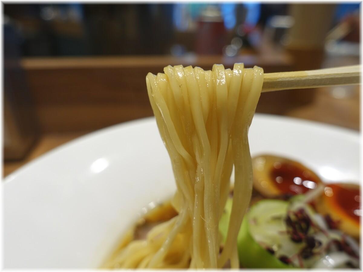 nii 特製のどぐろと宇和島産真鯛ラーメンの麺