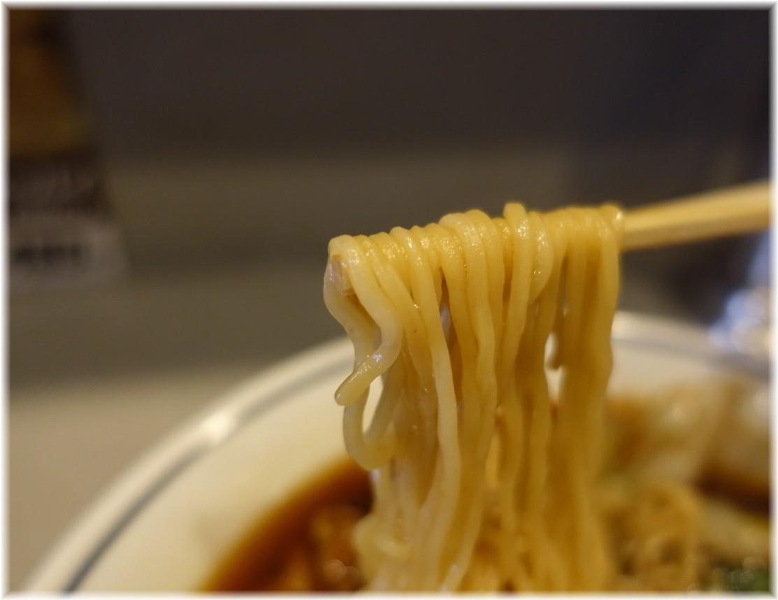 杏花園本店 牛バラ麺の麺