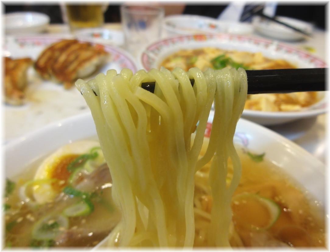 王将桜木町店 牛骨塩ラーメンの麺