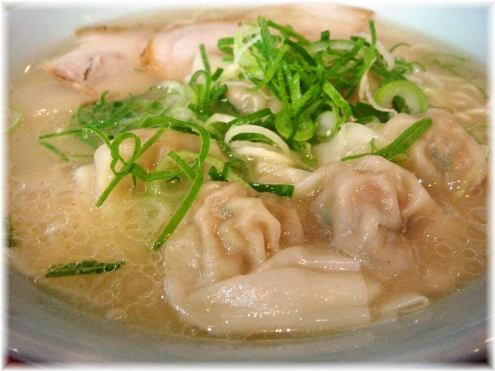 博多荘 元祖ワンタン麺のワンタン