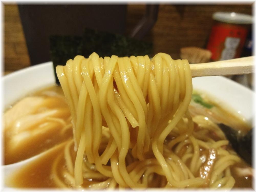新橋纏 特製烏賊干し鶏白湯醤油そばの麺
