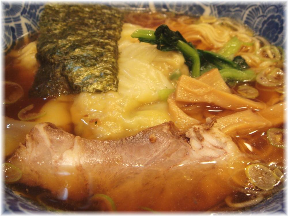 ら麺亭 ワンタン麺の具