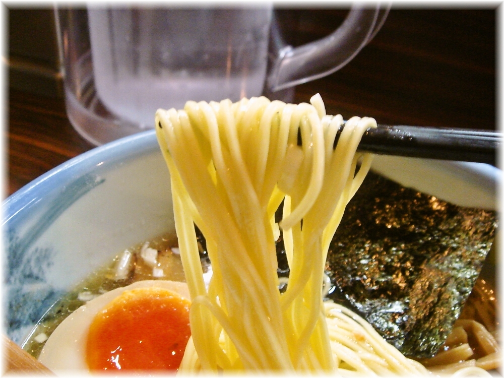 AFURI 塩らーめんの麺
