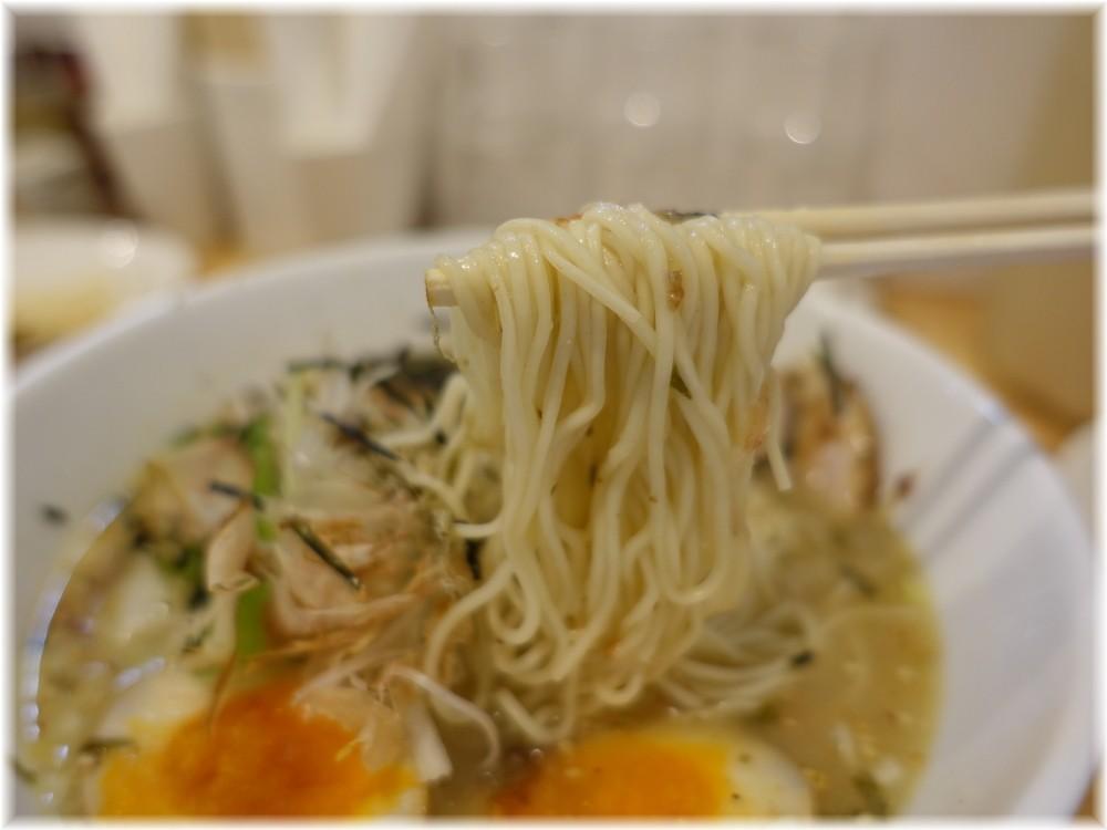 大喜12 うめしおらーめんの麺