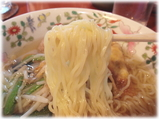 ジュンバタン・メラ インドネシア風ラーメンの麺