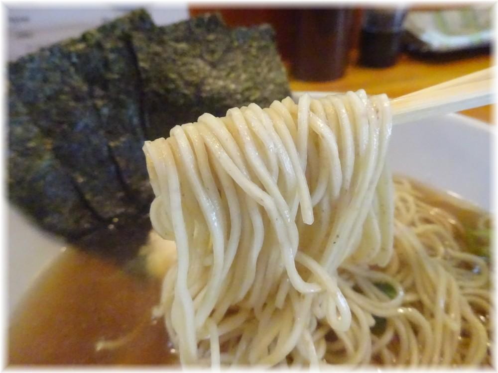 寛〜くつろぎ〜 特製煮干そばの麺