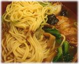 万世拉麺 霞が関店 肉みそ排骨ラーメンの麺