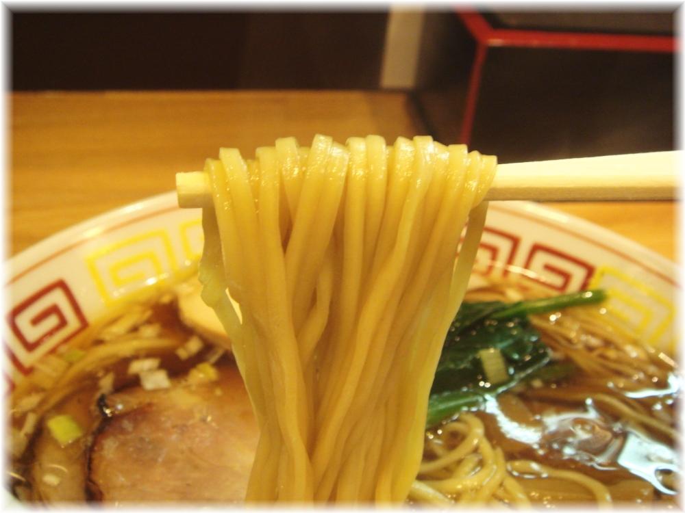 づゅる麺豚あじ恵比寿神社前 昭和の中華そばの麺