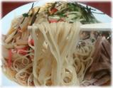 栄屋ミルクホール 冷やし中華の麺