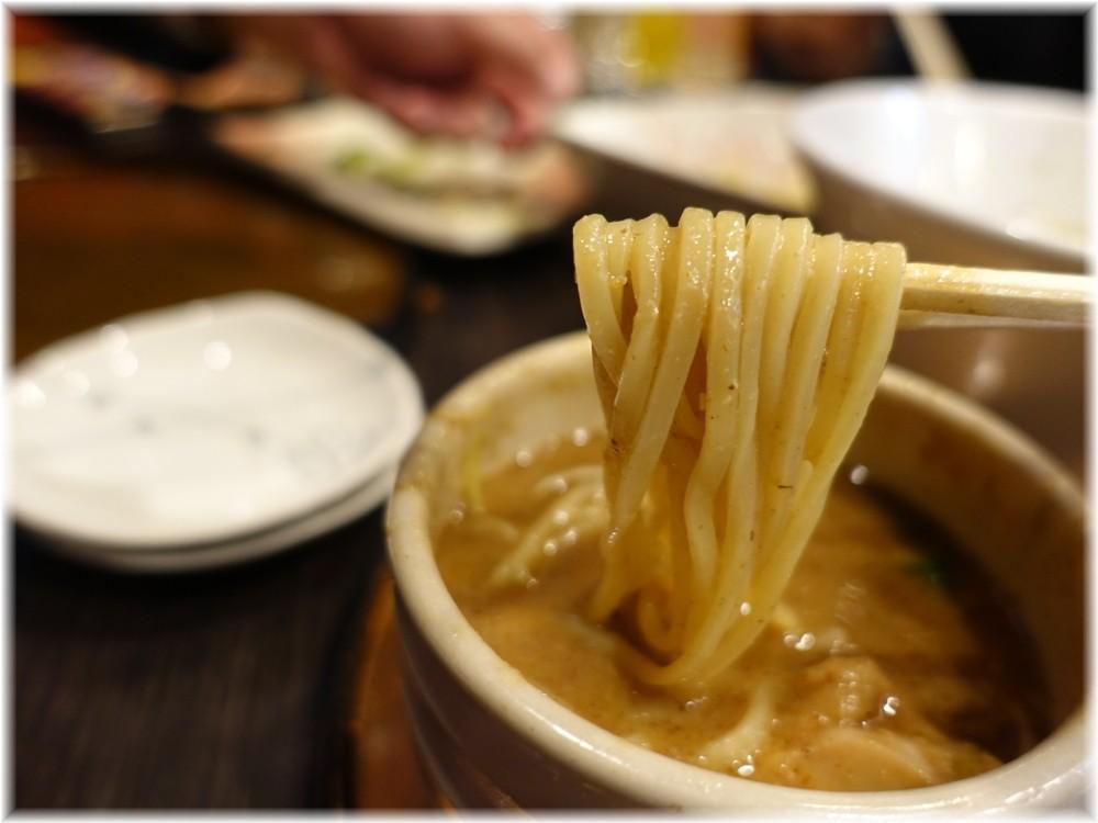 チラナイサクラ3 鶏と貝のつけ麺の麺