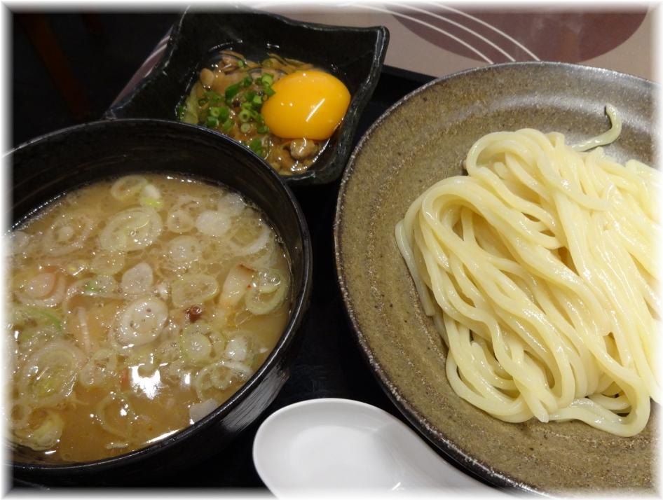三ツ矢堂製麺大山店 月見納豆つけめん