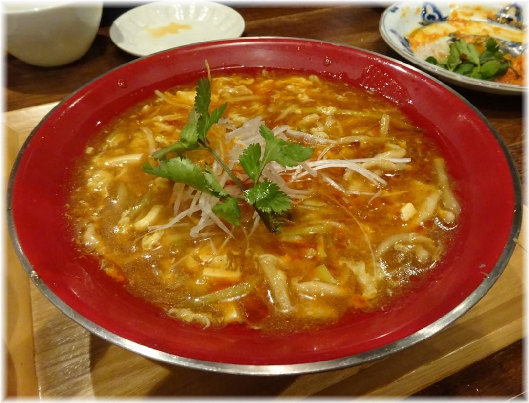 三宝亭 酸辣湯麺