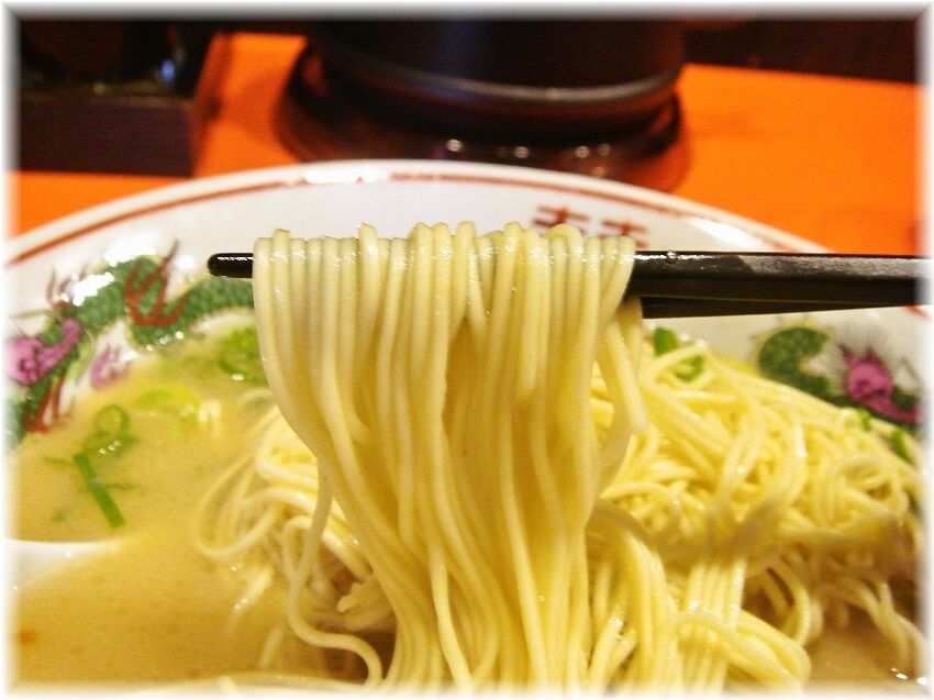 福ヤ 久留米ラーメンの麺