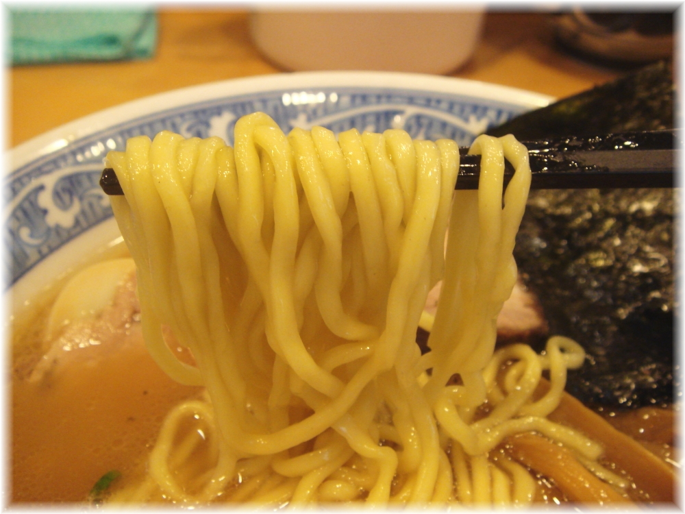 青葉中野本店 特製中華そばの麺