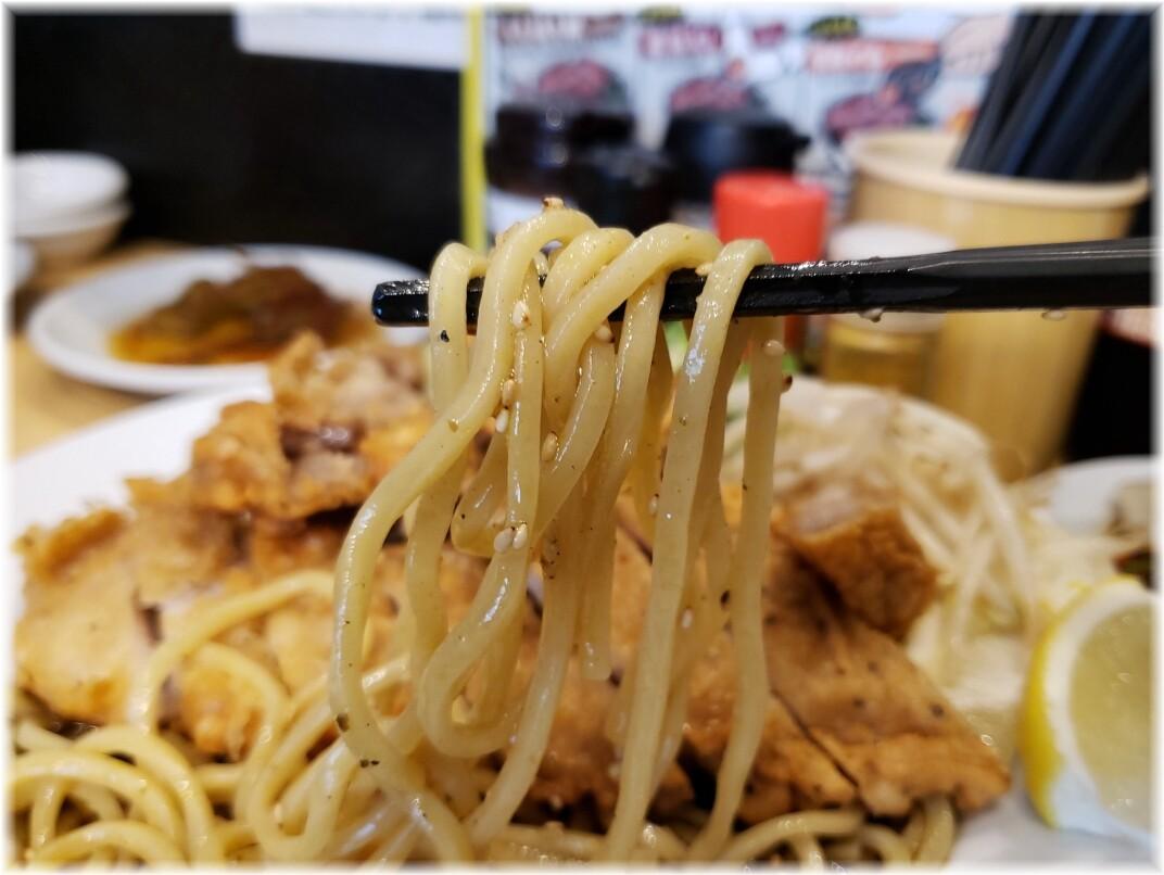 肉汁麺ススム新橋店 冷やし肉汁パーコー麺の麺