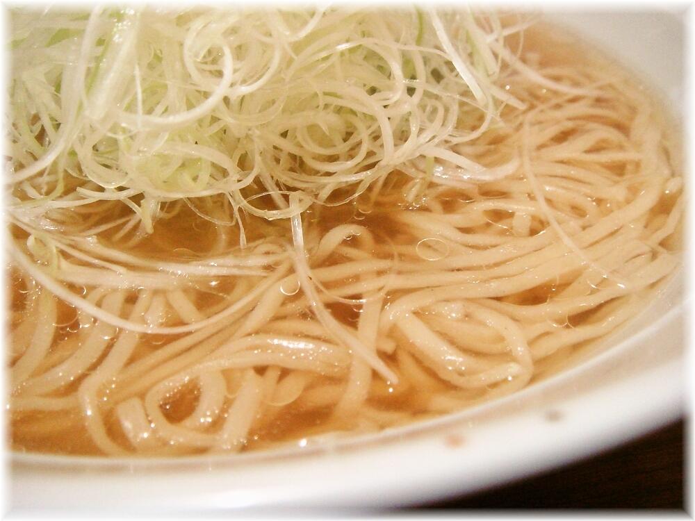 川端らーめん ネギラーメンのスープ