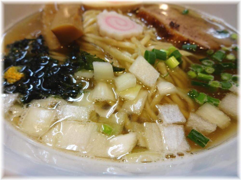 びぎ屋 鯵薫る煮干醤油らーめんの具2