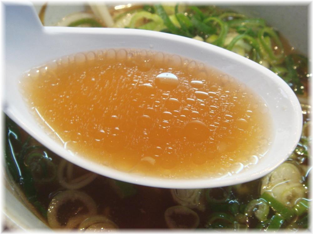 ぷらっとラーメン 博多No.3 正油ラーメンのスープ