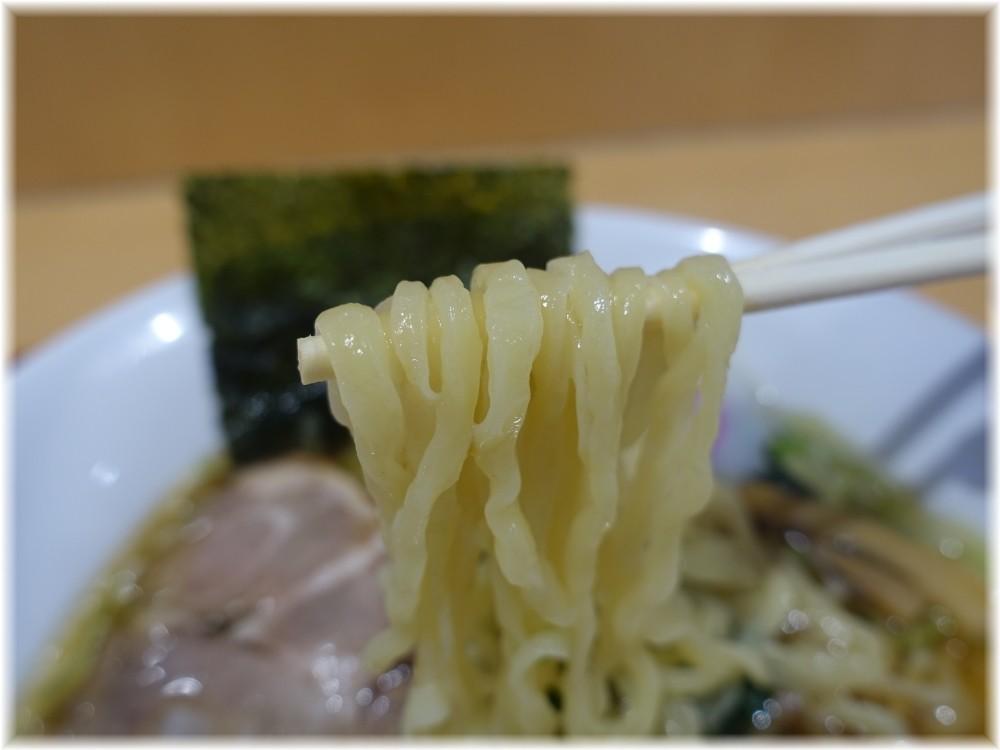 さのや 佐野ラーメン(しょうゆ)の麺