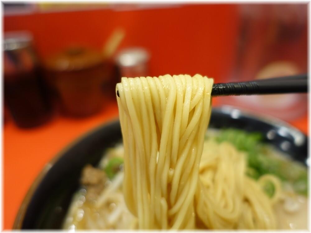 天下一品田町店8 味噌ラーメンの麺
