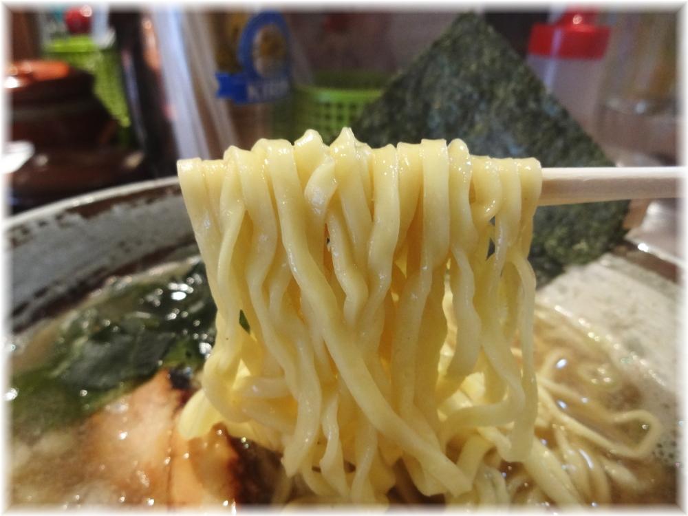 平八 特濃煮干しの麺
