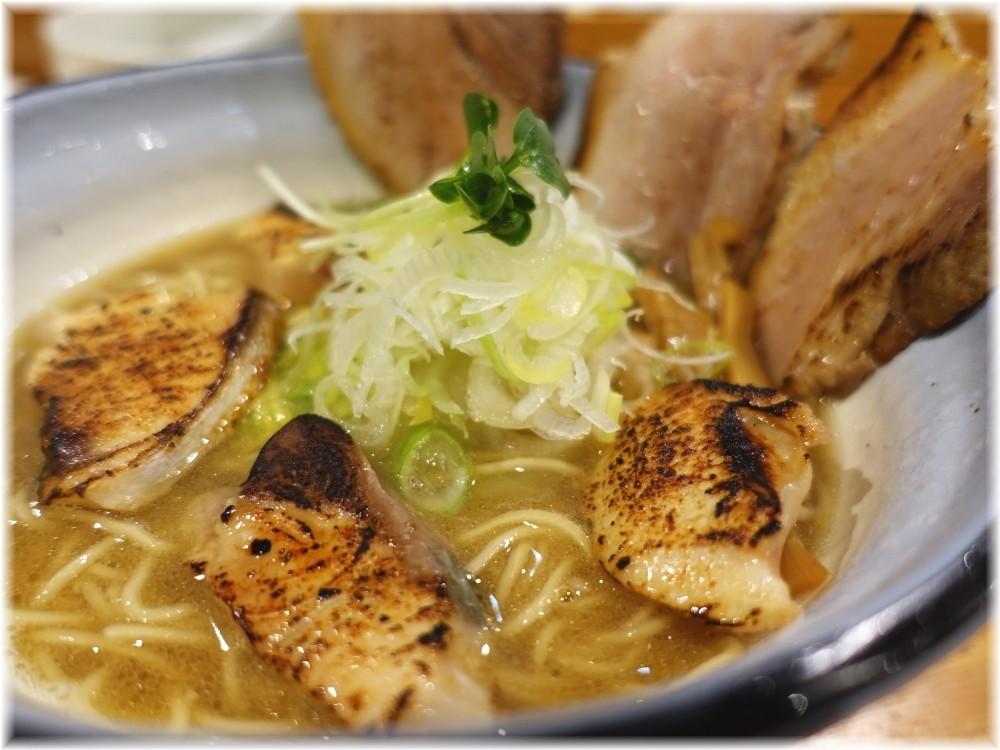 めんや正明 鰤チャーシュー麺(醤油)の具