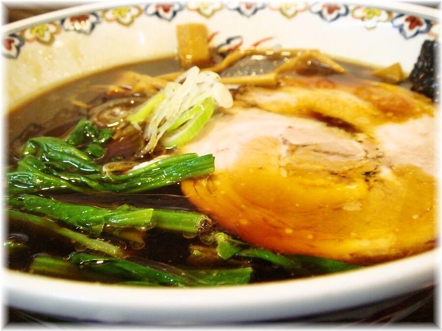 松虎亭 盛岡醤油老麺の具
