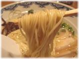 由丸 博多ラーメンの麺