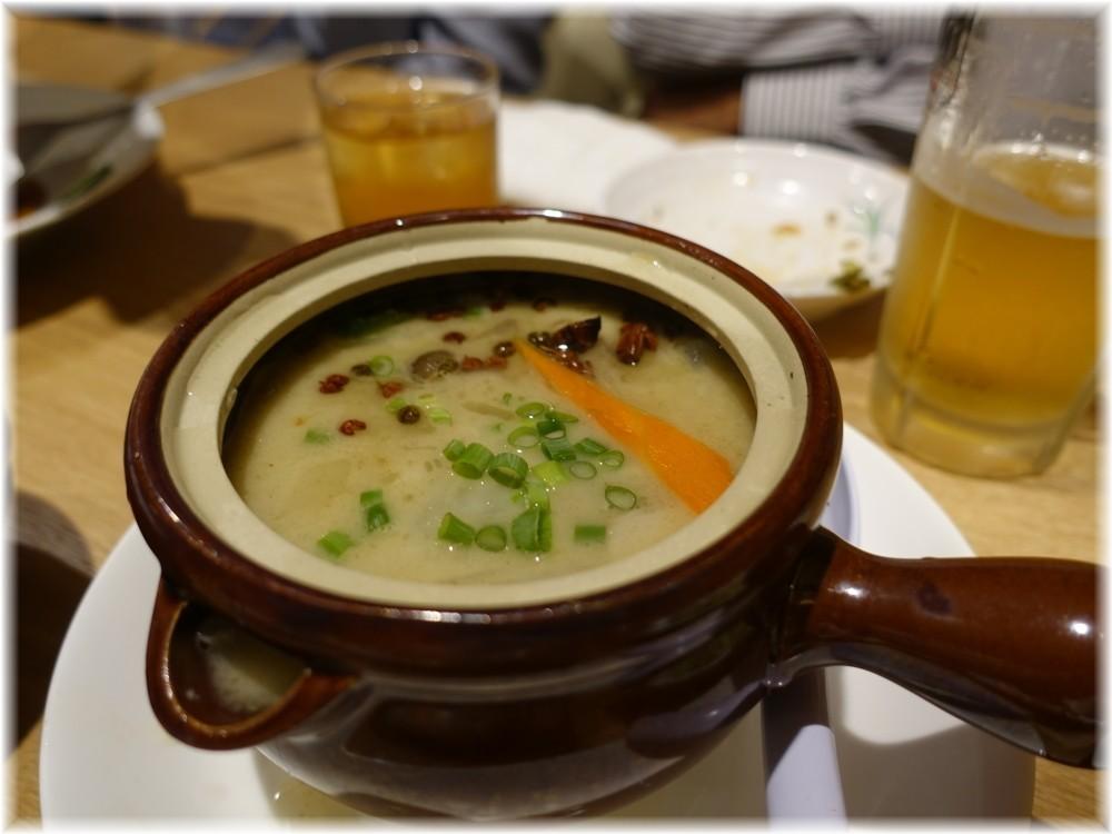 辰池袋南口店 羊のホルモン煮込み土鍋