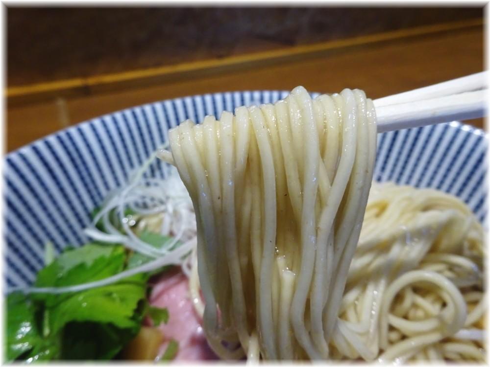 寿製麺よしかわ4 冷し煮干しそばの麺