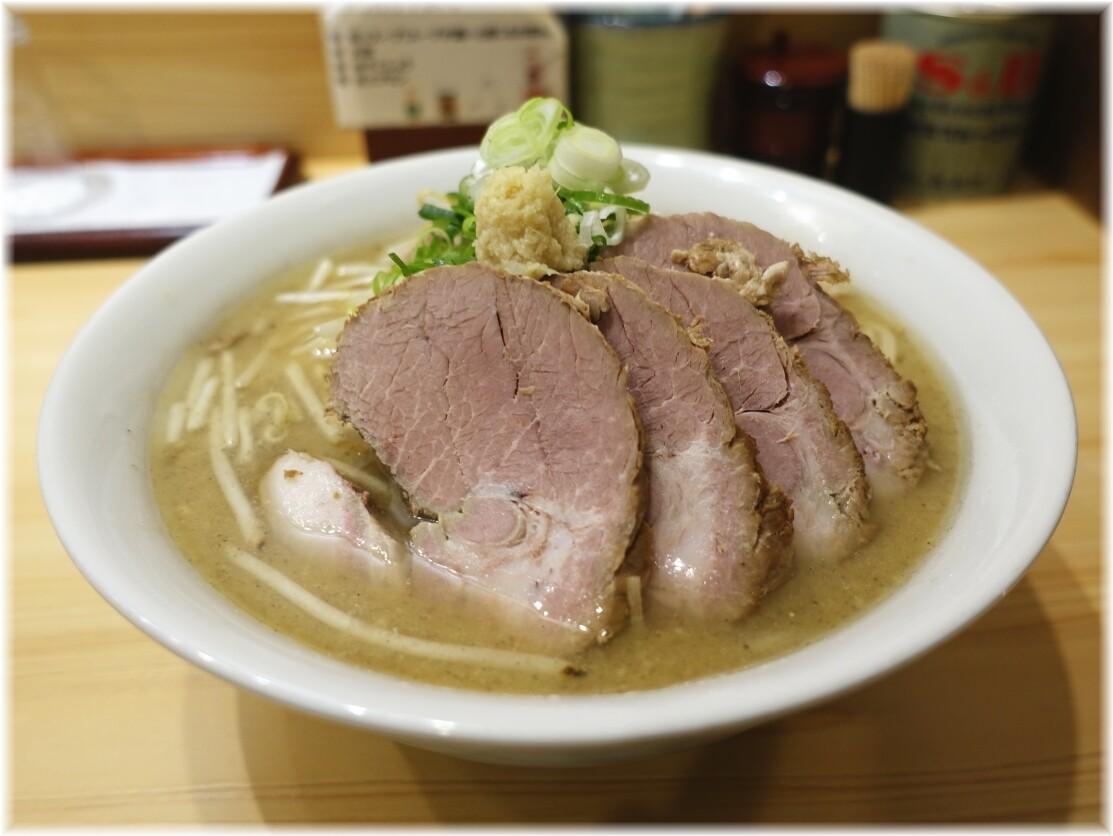三ん寅 チャーシューメン(炒めもやし)