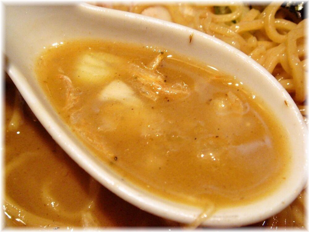 大八車 中濃にぼし麺のスープ
