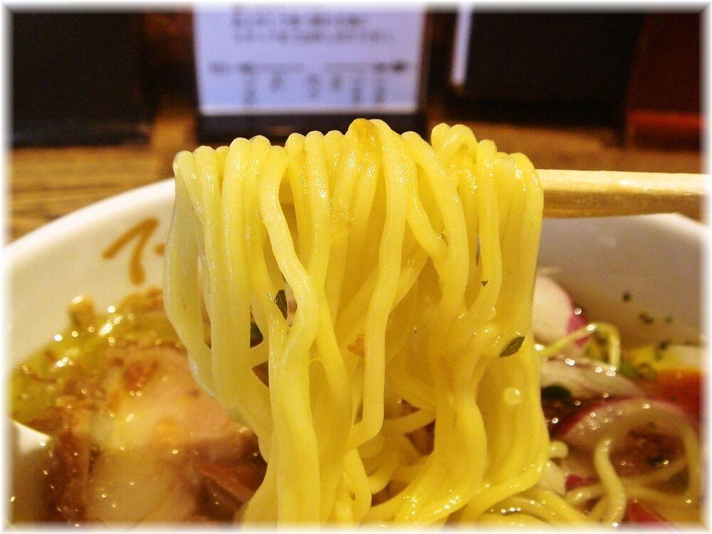 でびっと中延本店 冷製鶏塩麺の麺