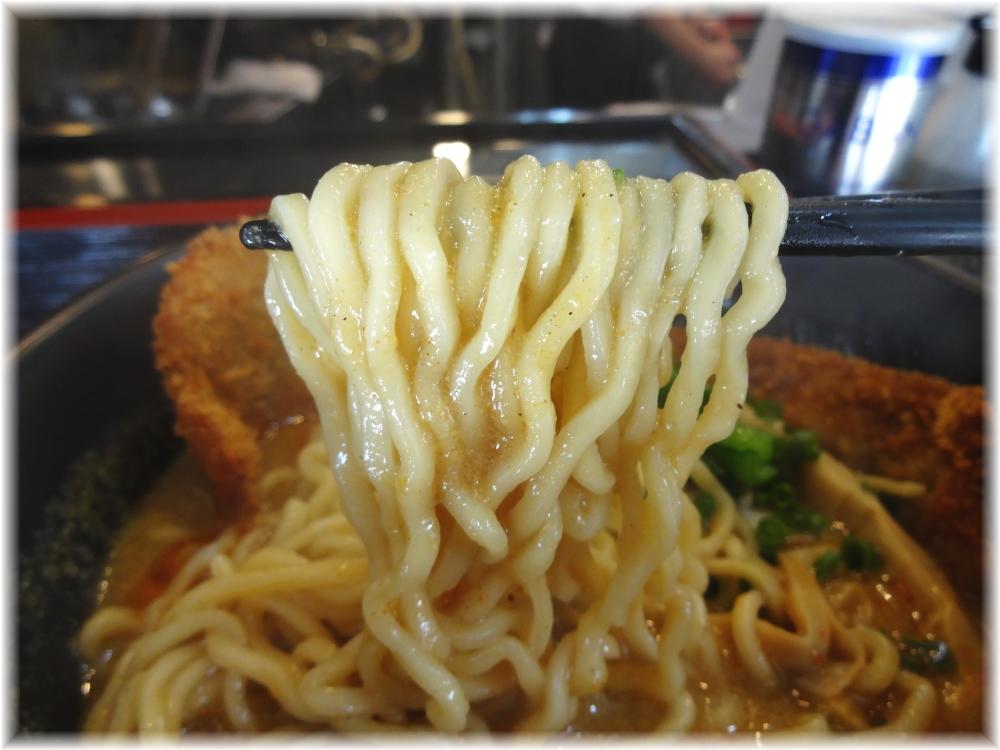 高円寺シンヤラーメン バラカツ伽辣麺の麺