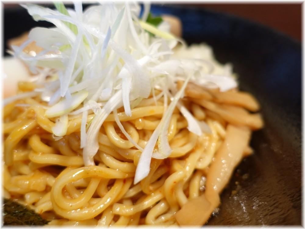 二代目油そばつよ志 油そば(味噌)の麺