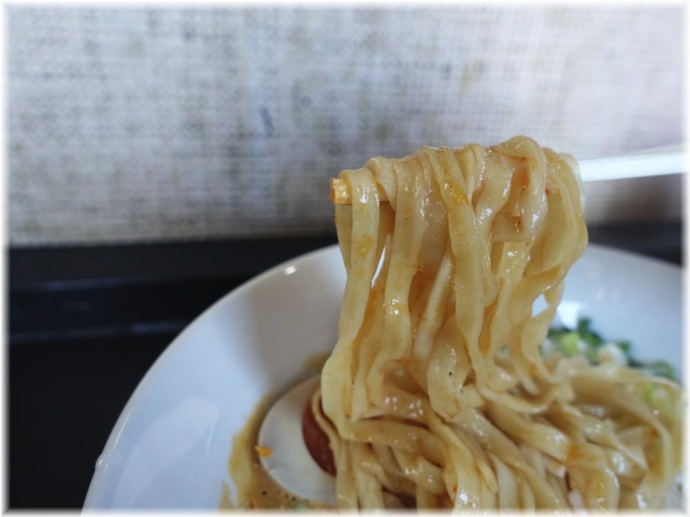 アワトロ龍宮2 担々麺の麺