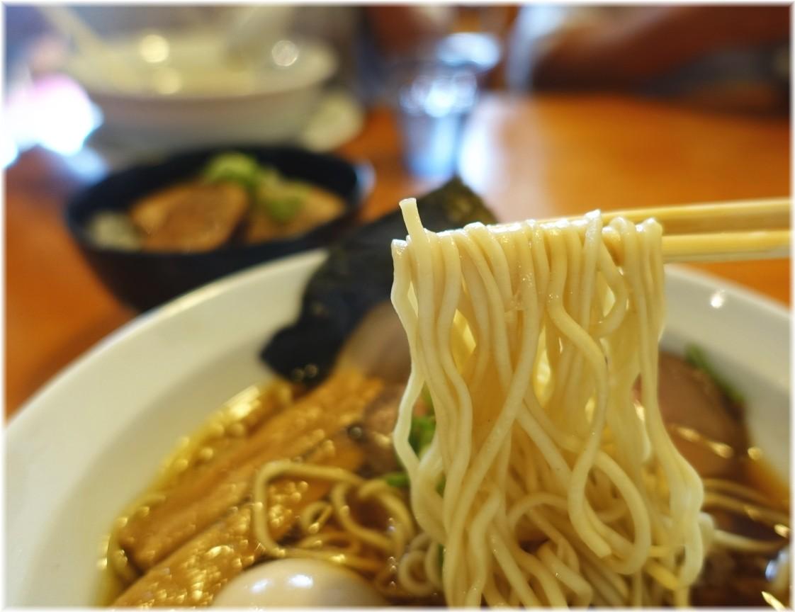 うしおととり 味玉醤油らーめんの麺