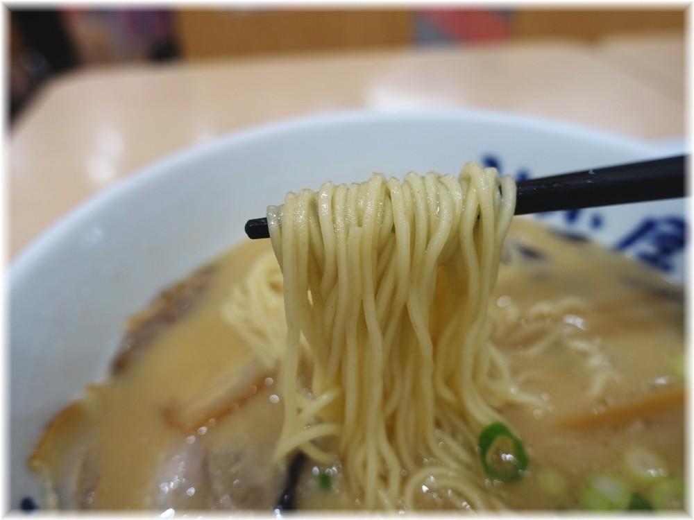 山小屋デオシティ新座店 ラーメンの麺