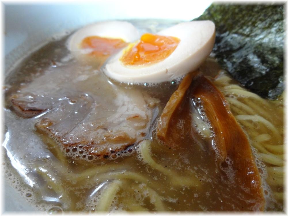 麺一真 ラーメン+味玉のスープ
