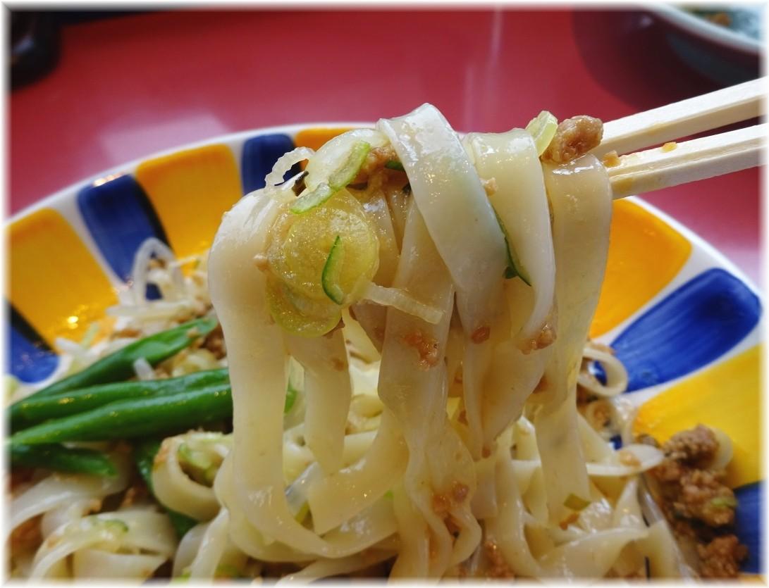 宇都宮みんみん駅東口店 炸醤麺(ジャジャメン)の麺
